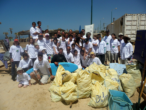 In honor of the Passover holiday, Zalul Environmental Association and Billabong Clothing Company led a special Passover beach clean-up operation in six different locations in Israel from Acco to Ashkelon.